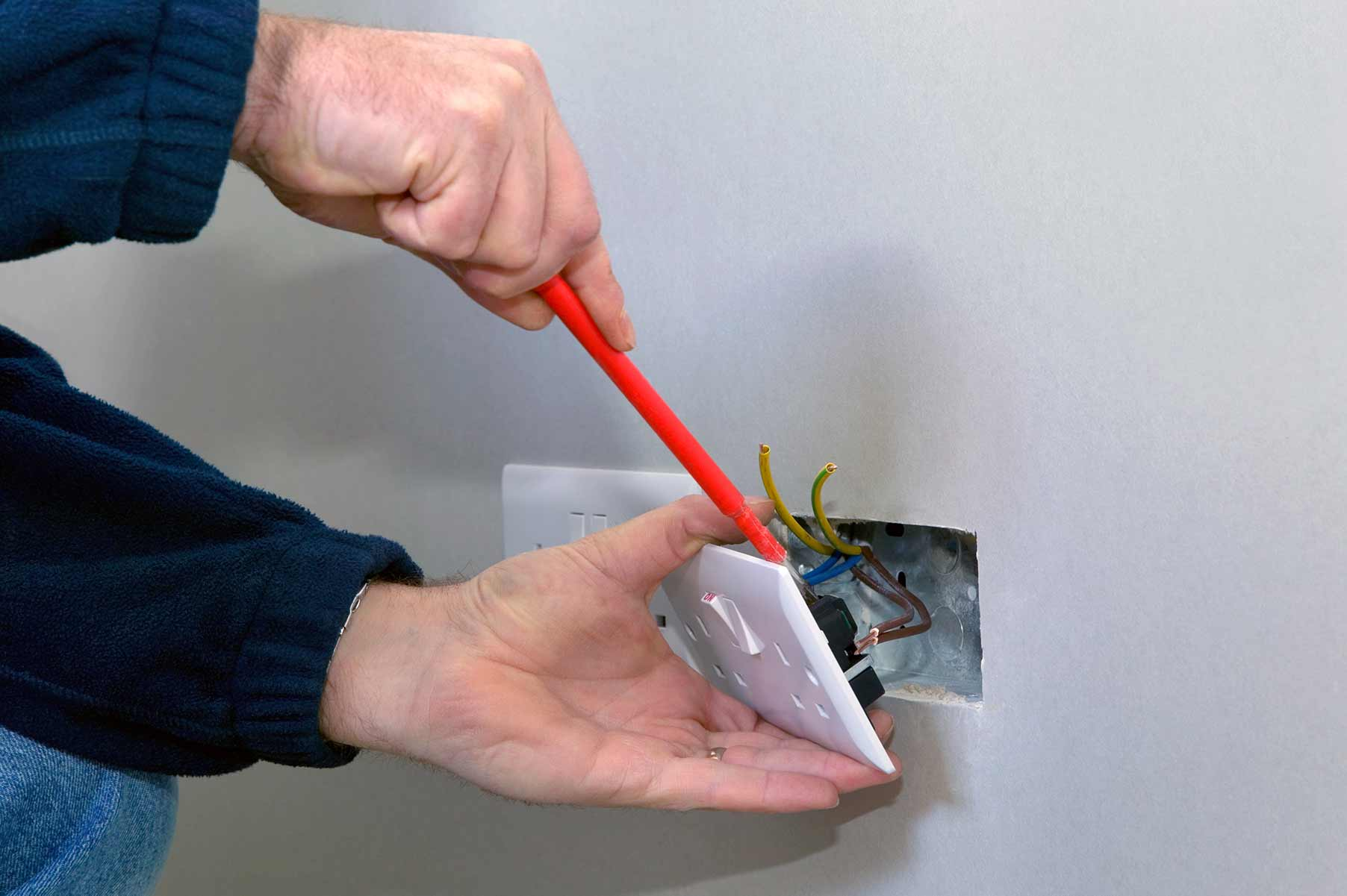 Our electricians can install plug sockets for domestic and commercial proeprties in Isle Of Dogs and the local area.
